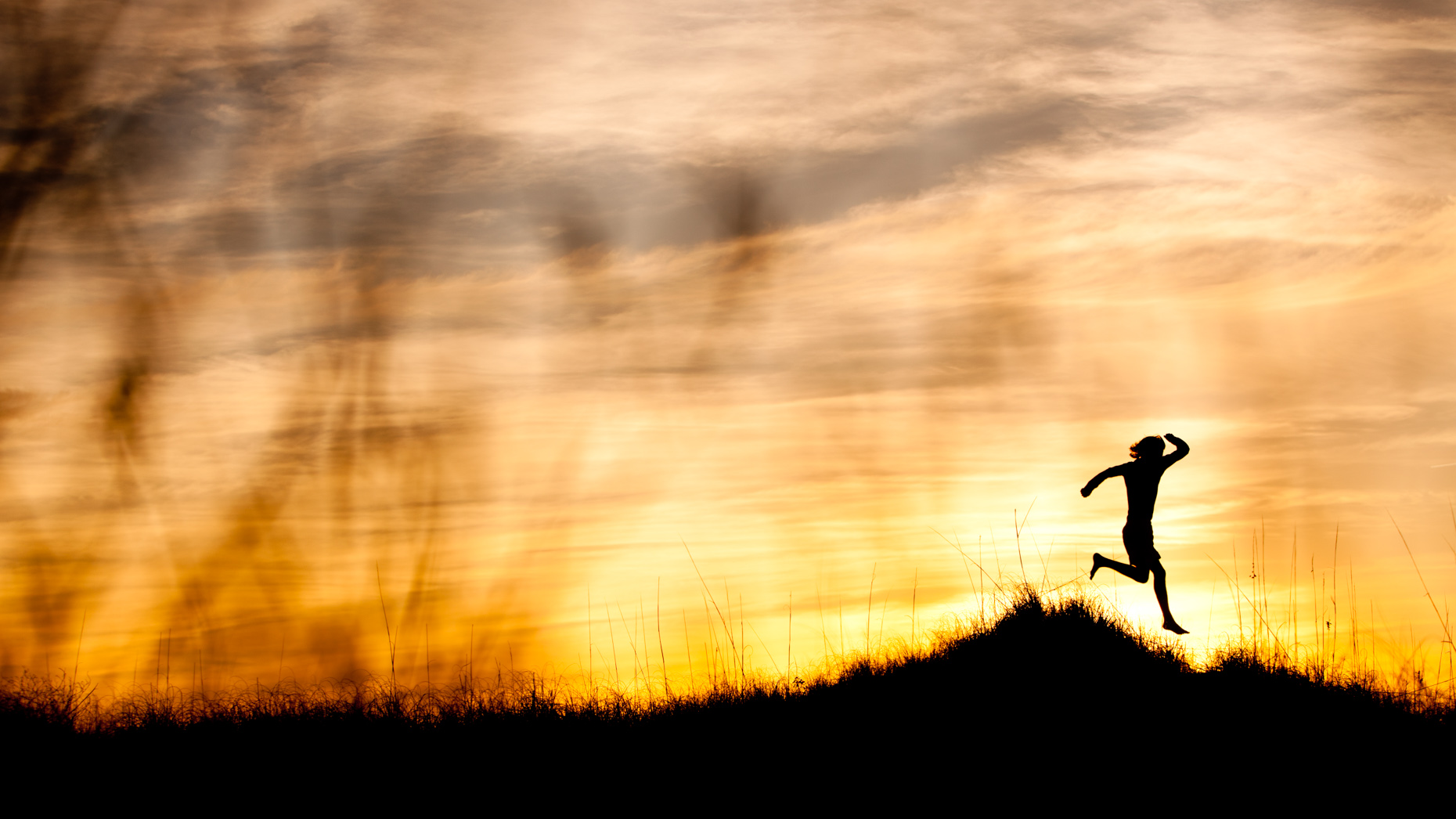 Adventure-Adventure and outdoor lifestyle photogaph by Forest Woodward runner on Cumberland Island USA